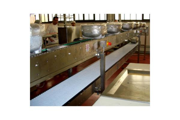 Macchinari industriali: Molding plants for cooked products in traditional molds or in molds for bars to be sliced